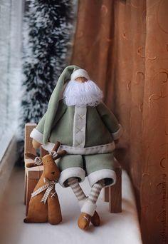 Куклы Тильды ручной работы. Ярмарка Мастеров - ручная работа Санта с оленем. Handmade.