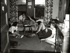 Students relax in a dorm room, © Vassar College, Archives & Special Collections Ref. College Years, College Dorm Rooms, College Girls, College Life, Boston College, Student Lounge, College Girl Fashion, Girl Dorms, College Parties