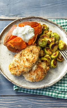 "Easy and healthy breaded chicken recipe | Try HelloFresh today with code ""HelloPinterest"" and receive $25 off your first box."