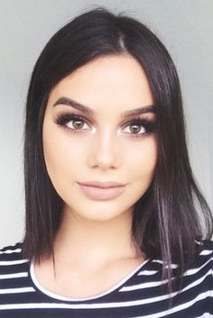 Explore our gallery of bright styles for short hair. You will want to try them immediately. Discover useful tricks to make any short cut marvelous.
