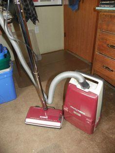 Regina Housekeeper 2500 Vacuum Pink See Description