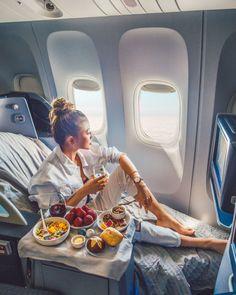 Essentials for Every Plane Ride - Comfy travel outfit Comfy Travel Outfit, Travel Outfit Summer, Comfy Airport Outfit, Travel Goals, Travel Style, Travel Fashion, Travel Plane, Plane Travel Outfit, Airport Travel Outfits