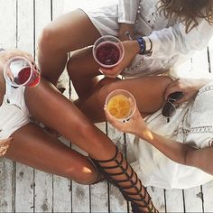Friday girls fun! Photo Credit : @tatjanamariposa TAG #expatoutlet in your amazing outdoor adventures! Online store opens in September 2015. Join our mailing list or like our Facebook page for upcoming news about our opening. #expat #expatlife #nomad #expatliving #nomadlife #travel #backpacker #fashionista #oftd #fashiongram #travelinstyle #followme #followback #follows #girls #friday #tgif