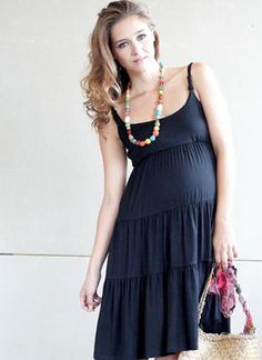 ed41ff157fa0e FASHION DUES & DUEN'TS - Contemporary Maternity Style Category | A dress  that