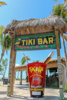 Florida Keys Road Trip Vacation: 16 Amazing Things to See, Eat and Do Between Key Largo and Key West – The Florida Journey Florida Keys Map, Florida Keys Hotels, Key Largo Florida, Florida Vacation, Florida Travel, Florida Beaches, Fl Keys, Florida Usa, Key West Beaches