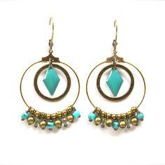 Boucles d'oreille anneaux bronzes, losange et perle turquoise