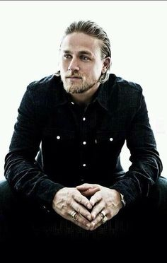 Charlie Hunnam (to me) makes the perfect Rhage. All he needs here is the massive leather coat ;)