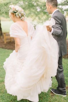 Tendance Robe De Mariée 2017/ 2018 : The dress: www.stylemepretty... | Photography: Aly Caroll - www.alycarroll.com/   https://flashmode.be/tendance-robe-de-mariee-2017-2018-the-dress-www-stylemepretty-photography-aly-caroll-www-alycarroll-com/  #RobeMariage
