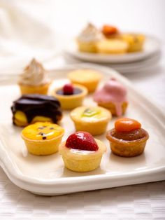 Ribbons and Bows Petit-Fours