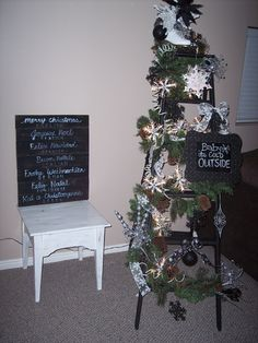Ladder Christmas Tree with Merry Chirstmas in many different languages on pallot board