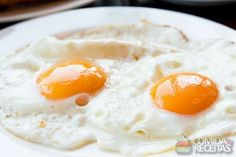 Receita de Ovo frito - Comida e Receitas  - microondas Thing 1, Pasta, Food Pictures, Fries, Eggs, Breakfast, Amazing, Vegetarian Diets, Istanbul Turkey