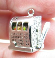 Sterling Silver 7 4.5mm Charm Bracelet With Attached 3D Good Luck Slot Machine Charm