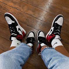 Women shoes Sandals Ankle Straps - Women shoes Sneakers New Balance - - Women shoes High Heels British Style Jordan Retro 1, Jordan 1 Low, Sneakers Mode, Sneakers Fashion, Fashion Tights, Retro Sneakers, Retro Shoes, Sneaker Reebok, Zapatillas Jordan Retro