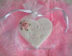 Bedankje. Zeephartje With love in vele kleurtjes met roosje & wit zakje