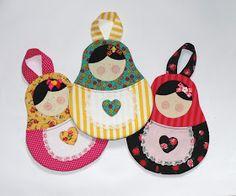 Meninas, já faz um tempão que estava com vontade de fazer um lixinho em foma das famosas matrioskas, sou apaixonada por elas, ...