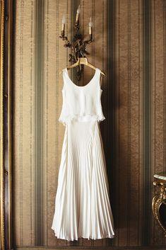 Modern Wedding Dress - Photography: Miriam Callegari | Two piece boho bridal gown | Modest rustic wedding gown | Unique bridal dress | #weddingdress #weddingdresses #bridalgown #bridal #weddinggown #bridetobe #weddings #bride #weddinginspiration #weddingideas #boho #bohochic #bohostyle #dress