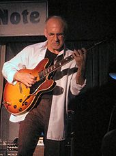 "Larry Carlton and his ""Carlton burst"" 335"