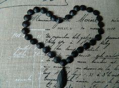 Collier noir antique  Vulcanite noir mat collier par ruefedor