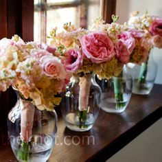wedding photography: bridesmaid bouquets