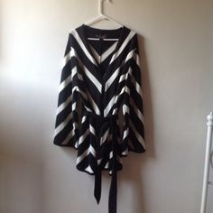 Plus size sweater with belt and tie 2x Has hooks to close a beautiful classy sweater Ashley Stewart Sweaters Cardigans