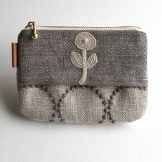 Textiles, Homemade Bags, Textile Business, Embroidery Purse, Ethnic Bag, Diy Purse, Change Purse, Small Bags, Zipper Pouch