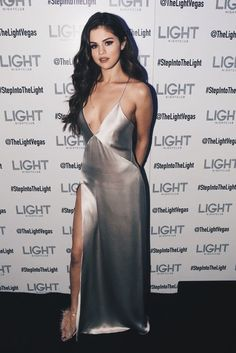 Dresses Best Looks: Selena Gomez. From decadent Marchesa dresses to Versace power suits, Selena Gomez can wear it all, flawlessly and In Oscar de la Renta and Giuseppe Selena Selena, Vestido Selena Gomez, Selena Gomez Fotos, Selena Gomez Fashion, Style Selena Gomez, Selena Gomez Lingerie, Selena Gomez White Dress, Selena Gomez Long Hair, Selena Gomez Hair Color