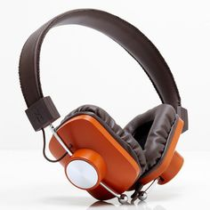 Control v2 Headphones Orange, 55€, now featured on Fab.