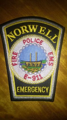 NORWELL, MASSACHUSETTS POLICE * FIRE * EMS EMERGENCY E-911 DEPARTMENT PATCH