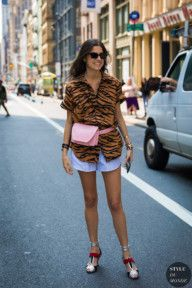 STYLE DU MONDE / New York SS 2018 Street Style: Leandra Medine  #Fashion, #FashionBlog, #FashionBlogger, #Ootd, #OutfitOfTheDay, #StreetStyle, #Style Leandra Medine, Street Looks, Ootd, New York, Tiger Print, Street Chic, Printed Shirts, South Africa, Street Styles