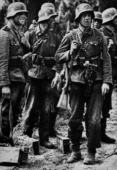 The 33rd Waffen Grenadier Division of the SS Charlemagne, 1940