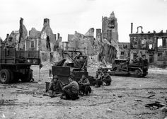 Pictures of D-Day, Operation Overlord Caterpillar D4, D Day Invasion, Saint Jacques, Royalty Free Pictures, Coast Guard, Armored Vehicles, Blue Line, Photos Du, Us Army