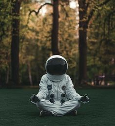Wallpaper Space, Wallpaper Backgrounds, Instax Mini 8 Camera, Astronaut Wallpaper, Space Facts, To Infinity And Beyond, Yoga Meditation, Bob Marley, Creative Photography