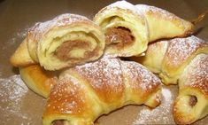 Dizani roščići s orasima i finom kremom — Coolinarika Albanian Recipes, Bosnian Recipes, Croatian Recipes, Cookie Desserts, Just Desserts, Cookie Recipes, Dessert Recipes, Sweet Pastries, Bread And Pastries
