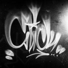 Slick (@og_slick) flare flexing.  #slick #handstyle #graffiti //follow @handstyler on Instagram