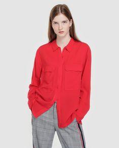 07b4120820 Camisa de mulher Fórmula Joven de manga comprida e bolsos · Moda e  Acessórios · El