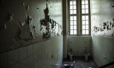 http://elaventurerodepapel.blogspot.com.es/2017/03/iron-house-la-inocencia-perdida.html
