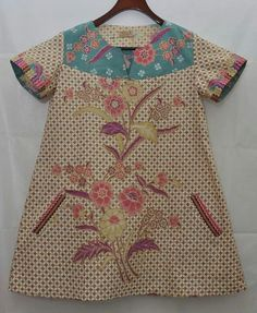 Ug Blouse Batik, Batik Dress, Blouse Dress, Batik Kebaya, Dress Anak, Batik Pattern, Traditional Fabric, Ikat, Cold Shoulder Dress
