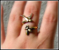 bird ring with bee bird jewelry bird accessories by alapopjewelry, $18.00