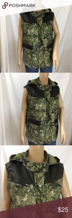 BDG leather/camo Vest New with tags BDG vest. Hooded with an option to zip the hood inside. Front zip and snap closure. Two front pockets, zipper pockets on the sides. Leather accent. New with tags. Large BDG Jackets & Coats Vests