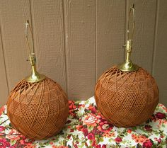 LOVE the geometric look to these spherical vintage, retro woven rattan table lamps! These are going to look great in so many different settings and very nice to find them still together after all these years. A timeless and classic style. I dont find any damage, they look fantastic. Measure about 13 across and 27 tall to top of finial. For safety during shipment, these are going to need to be shipped in two different boxes. I have calculated shipping to the East Coast, if you are closer…