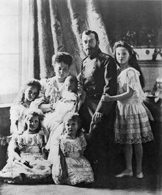 Tsar Nicholas II and family circa 1905