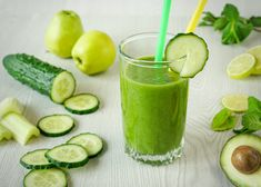 5 Green Smoothies to Slimming Belly - Slimming at Home plans . Detox Recipes, Smoothie Recipes, Healthy Recipes, Juice Recipes, Fat Burning Detox Drinks, Juicing For Health, Proper Nutrition, Diet Plans To Lose Weight, Healthy Drinks