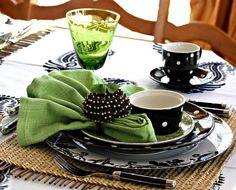 St. Patrick's Day is the herald of green days. Today's tablescape was ...