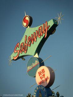 Vintage signs in San Jose, CA. #midcenturymodern #vintage #roadside