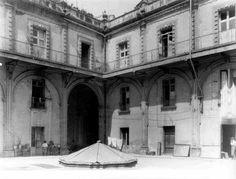 ¿Imaginas una vecindad en este edificio? Visitanos y descubre las diferentes facetas en el recorrido histórico del edificio #verano #SoloenelMIDE