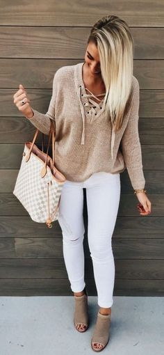 Perfect for every day. White Jeans and Tan Top with Matching Bag and Shoe … - Moda Trends Fashion Mode, Look Fashion, Womens Fashion, Fashion Design, Fashion Trends, Fashion Ideas, Fashion 2016, Tween Fashion, Ladies Fashion