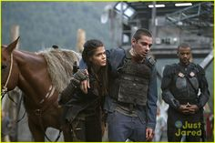 #The100 CW - S03E01 - Devon Bostick - Octavia Blake, Jasper Jordan has some problems again apparently