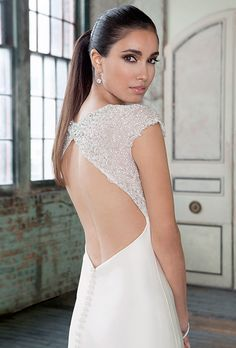 Sleek & Modern wedding dresses from Justin Alexander See all the NEW dresses here → http://www.weddingchicks.com/justin-alexander-signature-bridal-collection/