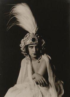 František Drtikol - Portrait Féminin, vers 1920