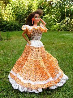 Dlouhé háčkované šaty